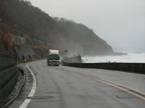 海岸線沿い国道8号線