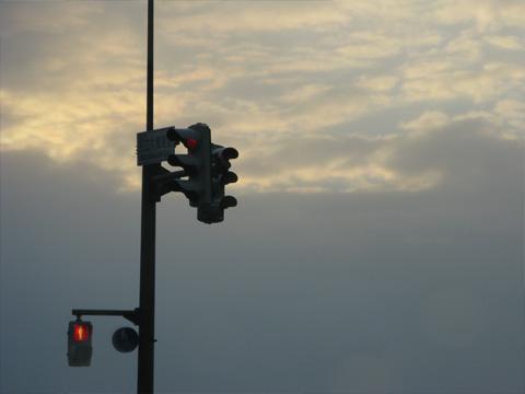 夕焼けと信号