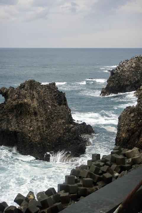 弁天岩の裏