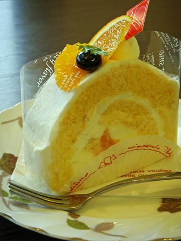トリプルオレンジロールケーキ1