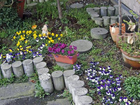 糸魚川店の花壇