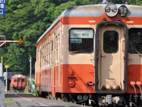 大糸線 キハ52-115の後ろからキハ52-156