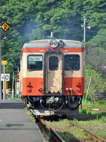 大糸線 キハ52-115発車