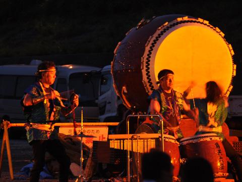 弁天太鼓の演奏