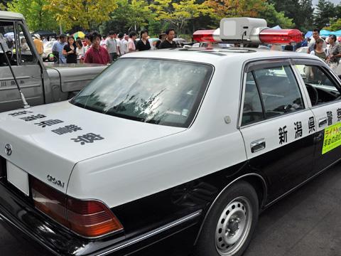 日本海クラシックカーレビューのパトカー4