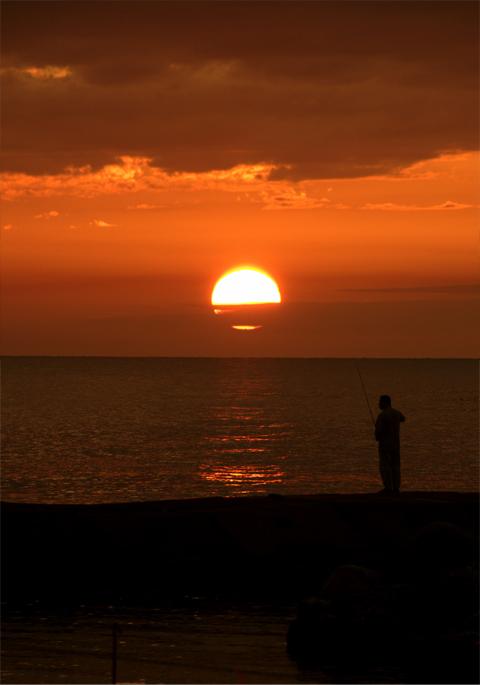 能生海岸の夕日