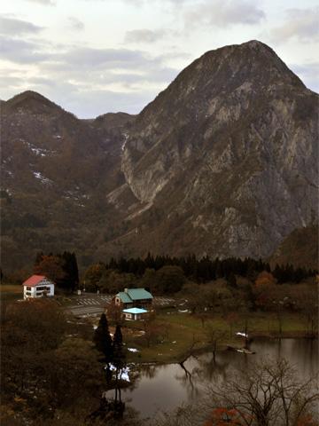 高浪の池と明星山1