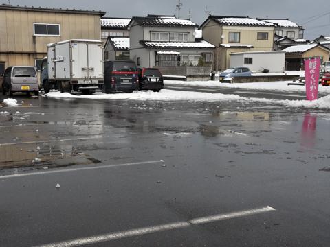 雪かき後の糸魚川店