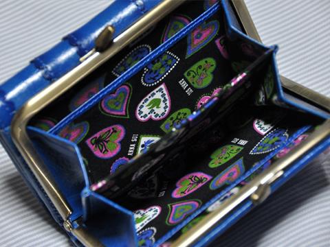 アナスイの財布中
