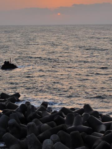 弁天岩の夕日
