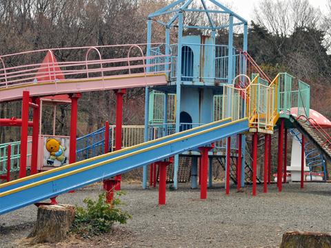公園と滑り台