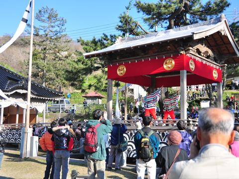 白山神社の舞台