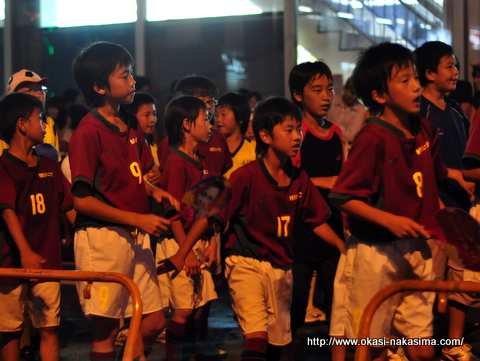 踊る子供たち1