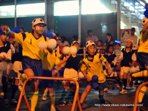 踊る子供たち2