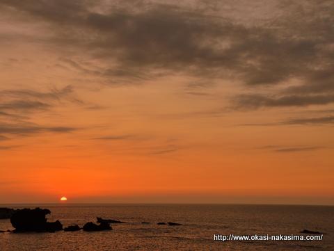 とっとこ岩と夕日