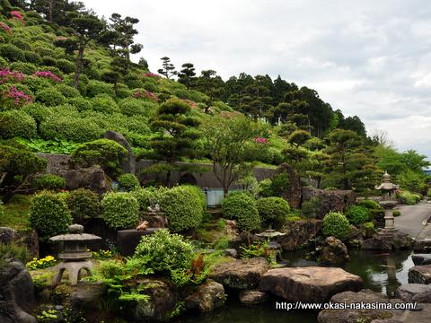 月華山かねこつつじ園の庭園風景