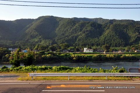 夕暮れ迫る阿賀野川