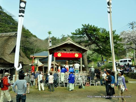 能生白山神社春季大祭の境内