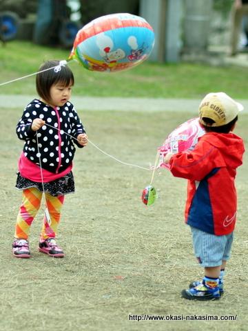 咲花ちゃんと遊ぶ息子