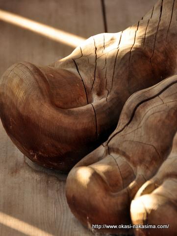 仁王像の足