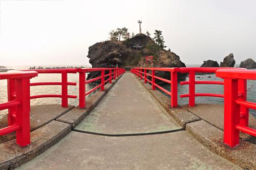 弁天岩の橋から