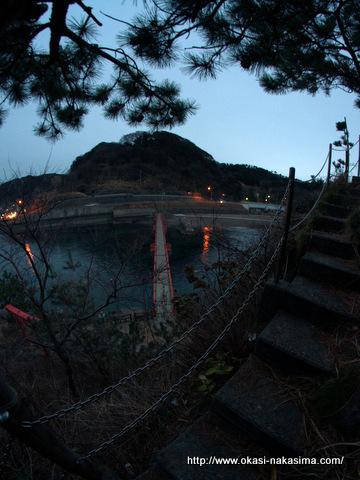 弁天岩中腹からのあけぼの橋